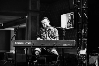 This is Neil Morrow, piano player, singer, guitar player. Check him out!